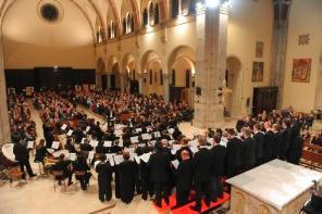 Canegrate:concerto dell'Orchestra e Coro Amadeus