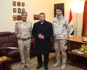 Da sinistra il generale Al-Obaidi, il generale Alfarag e il tenente colonnello Moscato (Foto a cura di NTM-I)