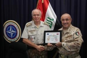 Il colonnello Vestergaard e il generale Armentani (Foto a cura della NTM-I)