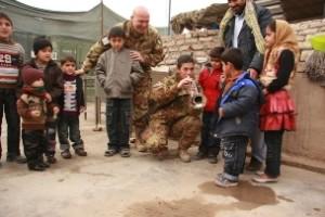 bambini afghani invitati dal contingente militare italiano