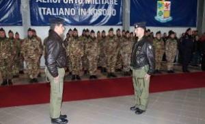 Andrea Massucci, comandante uscente, ed il colonnello Franco Trozzi, comandante subentrante.