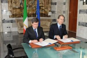 Ministro degli Esteri Giulio Terzi e il Sindaco di Roma Gianni Alemanno hanno sottoscritto oggi alla Farnesina un Protocollo di Intesa