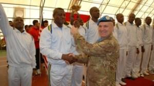 Presso la base di Naqoura il generale Lamanna premia la squadra del Ghana prima classificata