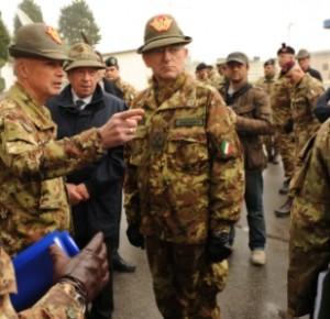 Il capo di stato maggiore dell'Esercito al comando Nato di Solbiate Olona
