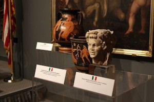 riconsegnato sette opere d'arte allo Stato italiano