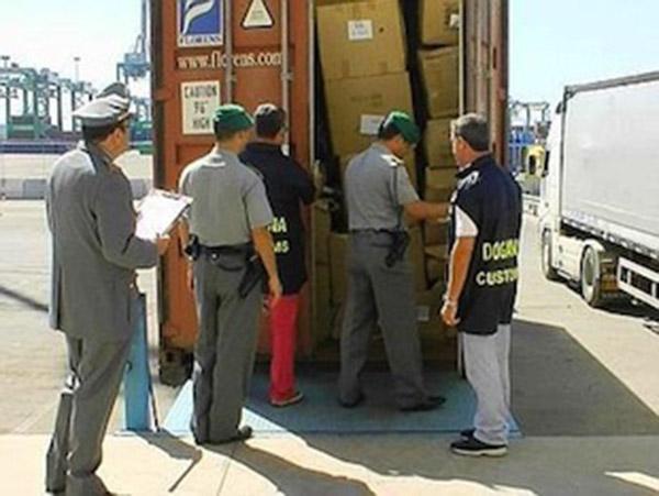 Prodotti contraffatti sequestrati alla dogana
