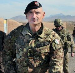 """cerimonia di avvicendamento, nell'incarico di comandante della Brigata """"Sassari"""""""