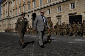 """cerimonia di saluto ai militari della Brigata bersaglieri """"Garibaldi"""""""