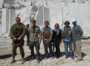 La delegazione Regional Command West presso la cava - a sx il generale Gamba, a seguire il consigliere Romussi