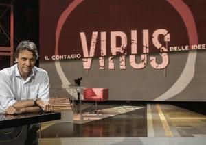 la prima volta in televisione Vania Girone, la moglie del fuciliere di marina Salvatore Girone.