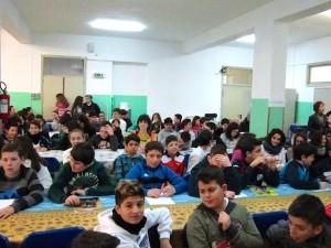 Alcuni alunni della scuola media di Brolo