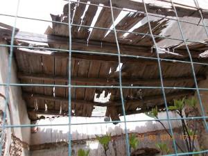 In stato di degrado il soffitto della Cappella dell'ospizio - Foto di Filippo D'Agostino
