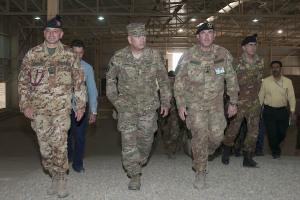Il comandante di ISAF durante una vita al CIED Training Center