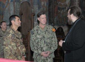 Kosovo - Il generale Figliuolo, l'ammiraglio Ferguson e padre Sava Janjic