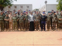 The President of the Central African Republic pays tribute to EUFOR RCA troops in Bangui