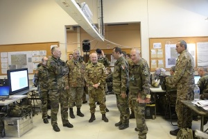 La visita del generale di corpo d'armata Alberto Primicerj accompagnato dall'omologo generale di corpo d'armata Sainte-Claire Deville