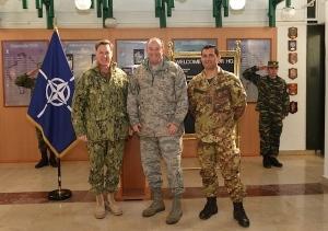 Da sin. l'ammiraglio Mark Ferguson III, il generale Philip Breedlove e il generale di divisione Francesco Paolo Figliuolo