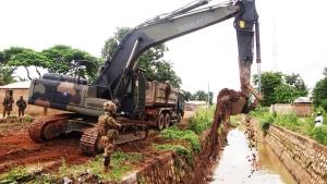 Bonifica canali a Bangui