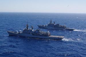 Nave Libeccio dà il cambio a nave Grecale nell'Operazione Atalanta