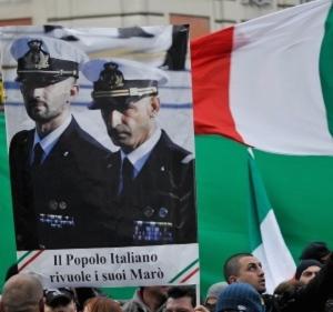 Una manifestazione per il rilascio dei sottufficiali Massimiliano Latorre e Salvatore Girone