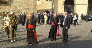 Anagni - stretta di mano tra monsignor Gerardo Antonazzo e il Rabbino Capo della Comunità Ebraica di Roma