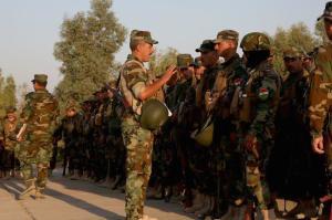 Briefing del Comandante delle KSF prima dell'esercitazione