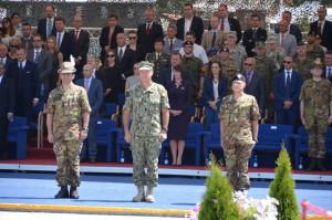 Da sin. il generale Figliuolo, l'ammiraglio Ferguson e il generale Miglietta