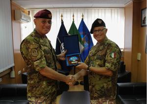 Il generale di corpo d'armata Marco Bertolini e il generale di divisione Guglielmo Luigi Miglietta