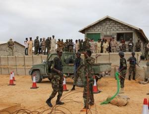 Somalia - Controlli con metal detector