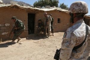 Un momento dell'addestramento dei peshmerga