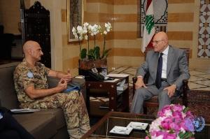 Il generale Portolano e il Primo Ministro libanese Tamam Salam