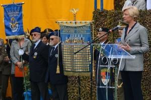 Il ministro della Difesa Pinotti durante il suo intervento