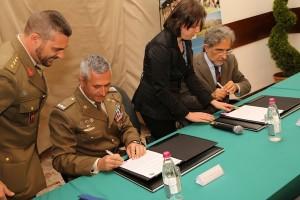 Il generale Tota e il professor Sacchi firmano il protocollo d'intesa
