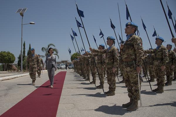 'L'Italia conta su di voi': la Boldrini visita i militari italiani in Libano