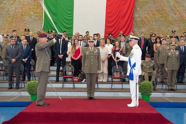 Il generale Bertolini cede il comando del COI all'ammiraglio Dragone